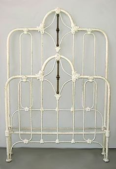 painting wrought iron bed frame » 4K Pictures | 4K Pictures [Full HQ ...