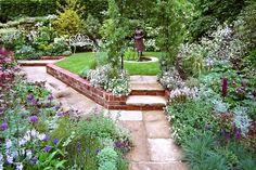 inspiration romantisk trädgårdsstil - Google Search