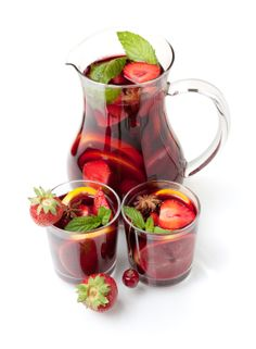 Summer Sangria: 1 bottle Pinot Noir, 1/4 cup brandy, 1/2 cup sliced strawberries, 1 thinly sliced lime and orange, 1 apple peeled/cored/sliced, 1/2 thinly sliced kiwi, 1 cup club soda, 1 cup diet ginger ale    Mix wine, brandy, fruit and refrigerate overnight. Add ginger ale and club soda and pour into ice-filled glasses.
