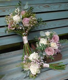 5 reasons why the vintage bridal bouquet is a good idea! A vintage bride . - 5 reasons why the vintage bridal bouquet is a good idea! A vintage bridal bouquet is a wonderful ch - Bridesmaid Flowers, Bride Bouquets, Bridal Flowers, Bouqets, Rose And Gypsophilia Bouquet, Bridesmaid Colours, Rustic Bridal Bouquets, Diy Flowers, Wedding Bridesmaids