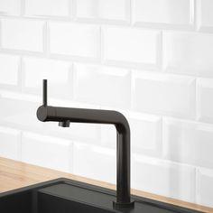 Kitchen liners: 90 models, designs and photos - Home Fashion Trend Ikea Kitchen Faucet, Black Kitchen Faucets, Kitchen Mixer Taps, Kitchen Liners, Sink Countertop, Cuisines Design, Clean Design, Rustic Kitchen, Interiors