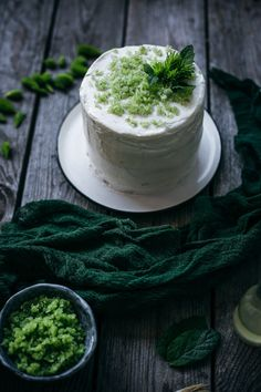 How To Make Cake, Food To Make, Spruce Tips, Two Layer Cakes, Lemon Frosting, Most Delicious Recipe, Nice Cream, Baked Chicken Recipes, Slow Living