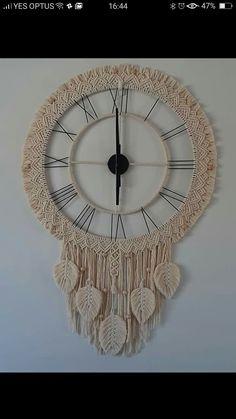 Macrame Owl, Macrame Knots, Micro Macrame, Crochet Unicorn Hat, Macrame Wall Hanging Diy, Clock Art, Creation Deco, Macrame Design, Macrame Projects