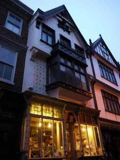 Ghost hunted at Number 35 Stonegate in York. Number 35 Stonegate is believed to be one of the most haunted house's in the UK. To date there have been over fourteen different ghosts reported here.