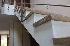 Schody obložené vinylovou podlahou Schody, které jsou udělané ze stejného materiálu jako podlaha v interéru vůbec neruší a naopak do něj příjemně zapadnou. vinylové ...