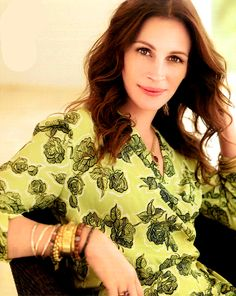 Julia Roberts in Style (Germany) - October 2010