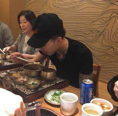 JAY PARK having his birthday dinner with his family Jaebum, Jay Park Network, Park Jaebeom, Seattle, Rapper, Jeno Nct, Kpop, Korean, Dinner