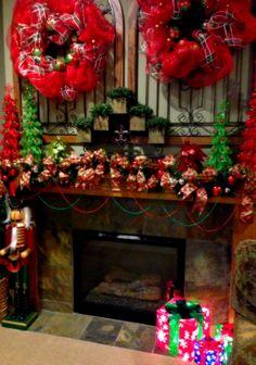 Savvy Seasons by Liz: Family Room Christmas Mantle