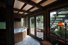 Twin Pine Manor - Amaryllis Suite