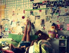 I want my walls decorated like this . <3