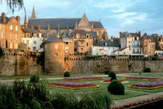 ancient places images | sights of ancient buildings in vannes, france