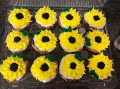 Sunflower Cupcakes, Custom Cupcakes, Cupcake Toppers, Desserts, Food, Tailgate Desserts, Deserts, Personalised Cupcakes, Essen
