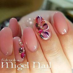 Pink 350 Fall Nail Art Designs, Beautiful Nail Designs, Pink Gel Nails, Fun Nails, Stylish Nails, Trendy Nails, Crystal Nails, Glitter Nail Art, Flower Nails
