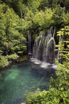 Plitvicen kansallispuisto, Kroatia / Suunta http://www.stoori.fi/suunta/plitvicen-kansallispuistossa-kroatiassa/