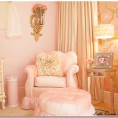 Gold pink room .. a great color combination