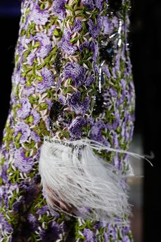 https://www.vogue.com/fashion-shows/spring-2018-couture/giambattista-valli/slideshow/collection