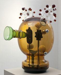 Durante la Biennale, diseñadores, arquitectos y artistas recuperan el cristal de Murano en Glasstress 2011. - diariodesign.com
