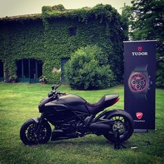 DUCATI DIAVEL - Can I just take you home?