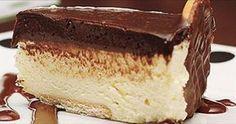 A receita de torta de liquidificador holandesa rende aproximadamente 12 porções. Ingredientes • 1 pacote de biscoito maria (200 g) • 150 g manteiga sem sal Recheio • 1 lata de leite condensado • 2 latas de leite (use a lata de leite condensado vazia para medir) • 1 xícara (chá) de açúcar • 1 …