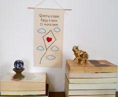 Decore sua casa com amor e criatividade! Flâmula em algodão cru feita 100% à…