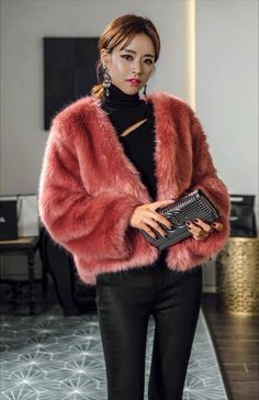 Fur Fashion, Winter Fashion, Womens Fashion, Fashion Trends, Fur Jacket, Fur Coat, Fake Fur, Travel Outfits, Stylenanda