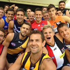 Hawthorn captain Luke Hodge poses in front of the AFL captains for an Oscars-style 'selfie' at the AFL season launch in Adelaide on March Best Football Team, Football Memes, Sports Memes, Football Players, Richmond Afl, Aussie Memes, Australian Football League, Oscar Fashion, Sports Betting