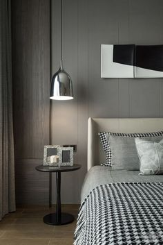 Nightstands, side tables, cabinets or chairs are some of the luxury bedroom furniture tips that you can find. Every detail matters when we are decorating our master bedroom, right? Modern Master Bathroom Decor, Room Design, Master Bedroom Interior Design, Bedroom Furniture Chairs, Luxury Bedroom Furniture, Luxurious Bedrooms, Bedroom Inspirations, Modern Bedroom, Interior Design