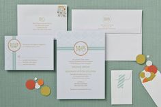 Love this modern invitation suite from Betsywhite!