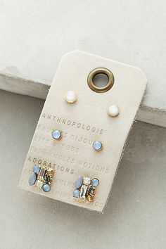 jewelry display idea - grommet card -  #anthropologie