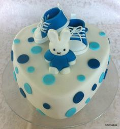 Baby boy cake - minus the bunny Baby Shower Cakes For Boys, Baby Boy Cakes, Baby Shower Desserts, Fancy Cakes, Cute Cakes, Beautiful Cakes, Amazing Cakes, Garden Party Cakes, Christening Cake Boy