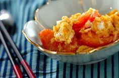 炒めることで旨みが増したトマトと半熟の卵がとろーりおいしい一品です。