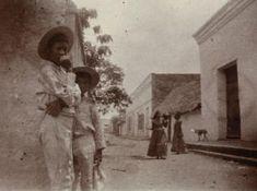 Las inéditas y extraordinarias fotos francesas que revelan la Colombia del siglo XIX - BBC News Mundo Cali, Bbc News, Painting, World, 19th Century, Colombia, Digital Cameras, Pictures, Historia