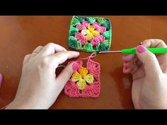 Square de crochê simples ( flor ) - YouTube Samuel Ramos, Lavender Roses, Diy And Crafts, Crochet Earrings, Youtube, Simple Crochet, Crochet Carpet, Joining Crochet Squares, Farmhouse Rugs