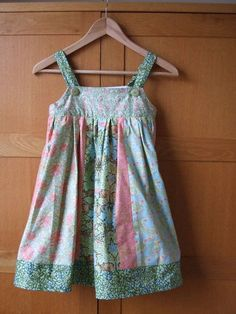 William Morris Mix Sun Dress Free Sewing Pattern