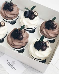 Fancy Desserts, Delicious Desserts, Yummy Food, Cupcake Recipes, Cupcake Cakes, Dessert Recipes, Cafe Food, No Bake Treats, Sweet Cakes