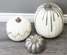 Thumb Tack Pumpkins!! (actually, this looks really cool. but you're drunk if you think i'm gonna cover an ENTIRE pumpkin in thumbtacks.)