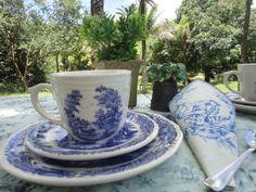 Jogo de chá e jantar - louça Oxford-Brasil, comprei em São Pedro da Serra-Rio de Janeiro.