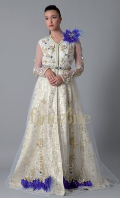 Caftan bijou - Saphir Moroccan Caftan, High Fashion, Kimono, Inspiration, Shopping, Kaftans, Dresses, Parfait, Images