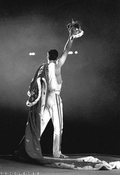 Freddie Mercury: I won't be a rock star, i will be a legend.