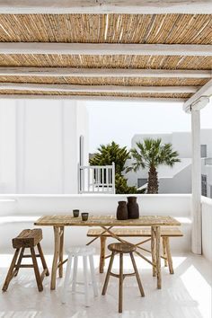 Landscaping Software - Offering Early View of Completed Project Current Crush: Primitive Wooden Furniture - 79 Ideas Banquito Para El Estudio Home Living, Living Spaces, Outdoor Rooms, Outdoor Living, Outdoor Decor, Nachhaltiges Design, Slow Design, Rustic Design, Gazebos