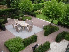 Front Yard Garden Design, Backyard Garden Design, Garden Landscape Design, Small Garden Design, Front Yard Landscaping, Lawn And Garden, Back Gardens, Outdoor Gardens, Minimalist Garden