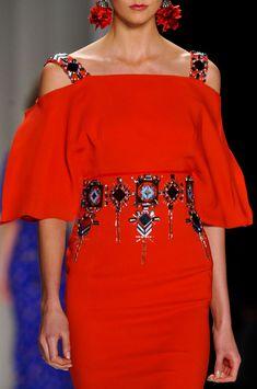 Carolina Herrera at New York Fashion Week Fall 2014 - Details Runway Photos Red Fashion, I Love Fashion, Fashion Details, New York Fashion, Simple Dresses, Beautiful Dresses, Casual Dresses, Summer Dresses, Couture Dresses