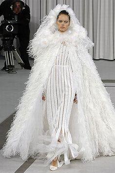Vintage & Couture Wedding dresses