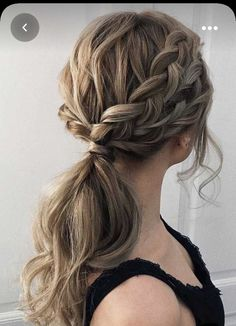Ponytail Updo, Elegant Ponytail, Ponytail Hairstyles, Hairstyles With Bangs, Bride Hairstyles, Indian Hairstyles, Updos For Medium Length Hair, Curly Hair With Bangs, Curly Hair Styles