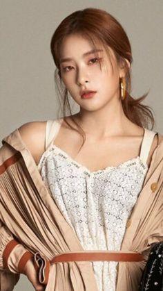 Pin on Kang Seulgi Asian Woman, Asian Girl, Korean Girl, Seulgi Photoshoot, Red Velvet Photoshoot, Velvet Wallpaper, Red Valvet, Idole, Kang Seulgi
