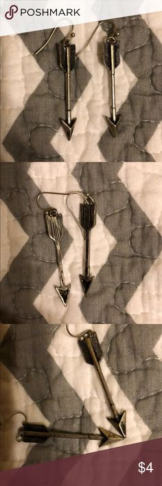 Arrow Earrings Super cute arrow earrings! Made to look tarnished/antiqued! I don't have the backs to them, but they just use the little plastic ones!!  Bundle these with other items for A GREAT DEAL and a CUTE OUTFIT! 💛💛💛 Jewelry Earrings