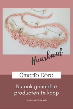 Wat een lieve bloemetjes haarband, zo gemaakt dat hij door een kind of een volwassenen gedragen kan worden. Handgemaakt door Dania Liemburg, te koop bij Ómorfo Dóro! Cadeau-web-winkel Flower Power, Kind, Bracelets, Jewelry, Fashion, Moda, Jewlery, Bijoux, La Mode