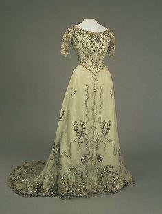 Dress of Tsarina Alexandra Feodorovna Romanov