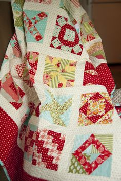Farmers Wife quilt using some very fun colors. I really want to do this quilt.