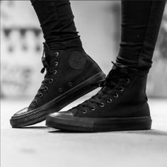 BNIB Chuck Taylor all star converse high tops All Black Converse Outfit, Converse High Tops Colors, High Top Converse Outfits, Black Chucks, Black High Top Converse, Converse All Star, All Black Sneakers, All Black Shoes, High Shoes